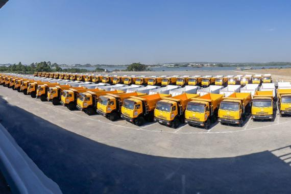 Hình ảnh chuẩn bị và bàn giao 102 xe BEN KAMAZ 6540 cho công ty DONA COOP
