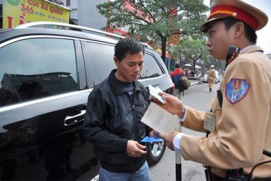 Sắp tới, lái xe được sử dụng bản sao đăng kí xe để tham gia giao thông