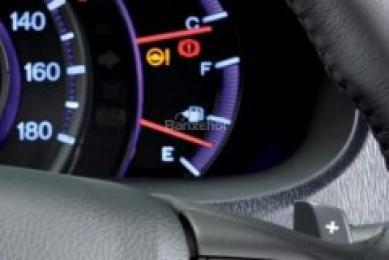 10 thói quen lái xe ô tô khiến bạn chỉ mất thêm tiền