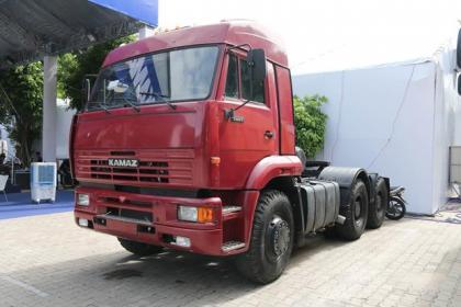Xe đầu kéo KAMAZ 6460 (6x4)